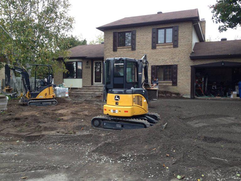 Excavation complète de la cour avant
