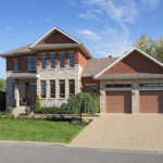 Aménagement paysager de l'avant d'une maison